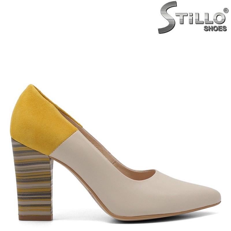 Модни кожени обувки на висок ток - 32699
