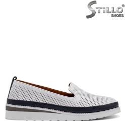Кожени обувки на равно ходило - 32715