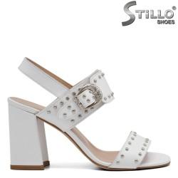 Модерни дамски сандали на ток с капси - 32733