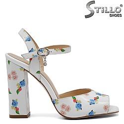 Бели сандали на цветя - 32748