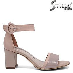 Модерни сандали TAMARIS на среден ток - 32755