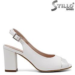 Дамски сандали на среден ток - 32758