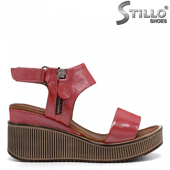 Удобни дамски сандали с цип - 32775