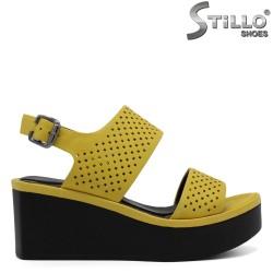 Модни дамски сандали на платформа - 32780