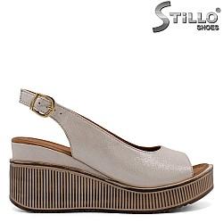 Дамски стилни сандали на платформа - 32781