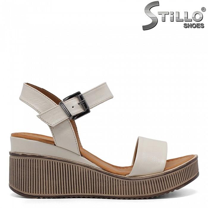 Дамски сандали от естествена кожа - 32787
