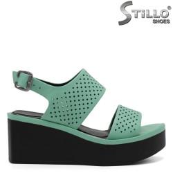 Модерни сандали на платформа - 32794