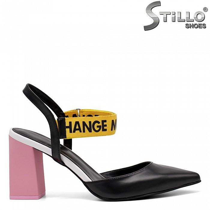 Модни дамски обувки на висок ток - 32798