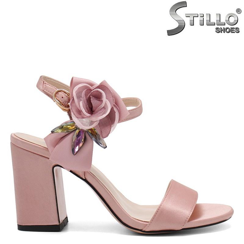 Розови сандали със сатенена роза - 32804