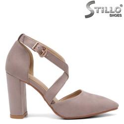 Модни дамски обувки на ток - 32813