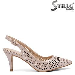 Елегантни обувки на среден ток - 32821