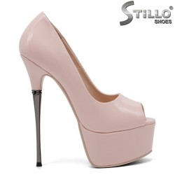 Елегантни обувки на висок метален ток - 32849