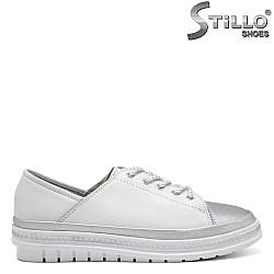 Спортни дамски обувки на равно ходило - 32851