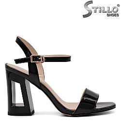 Стилни дамски сандали на ток - 32904