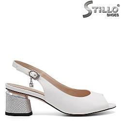Дамски сандали на среден ток - 32914
