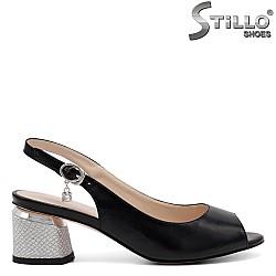 Стилни сандали на среден ток - 32916