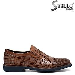 Мъжки обувки от естествена кожа с перфорация - 32934