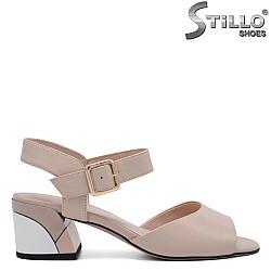 Дамски сандали на среден ток - 32958