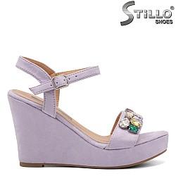 Дамски сандали на платформа с камъни - 32989