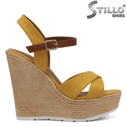 Жълти дамски сандали на платформа - 32994
