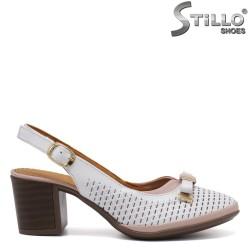 Бели дамски обувки с ток - 33011