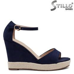 Дамски сандали с платформа - 33031