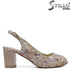 Дамски бежови сандали на цветя - 33056