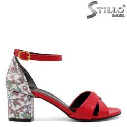 Дамски червени сандали на цветя - 33076