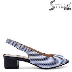 Сандали на райе в синьо и бяло - 33083