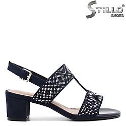 Сини велурени сандали с капси - 33106