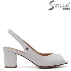 Дамски сандали на среден ток - 33118