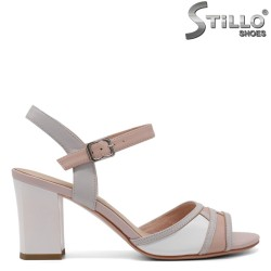 Елегантни дамски сандали в розово, бяло и сиво - 33125