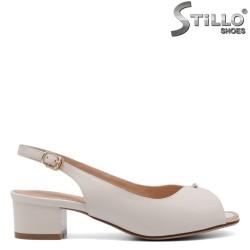 Бели сандали със златен кант - 33130