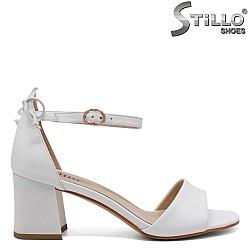 Бели елегантни сандали на ток - 33148