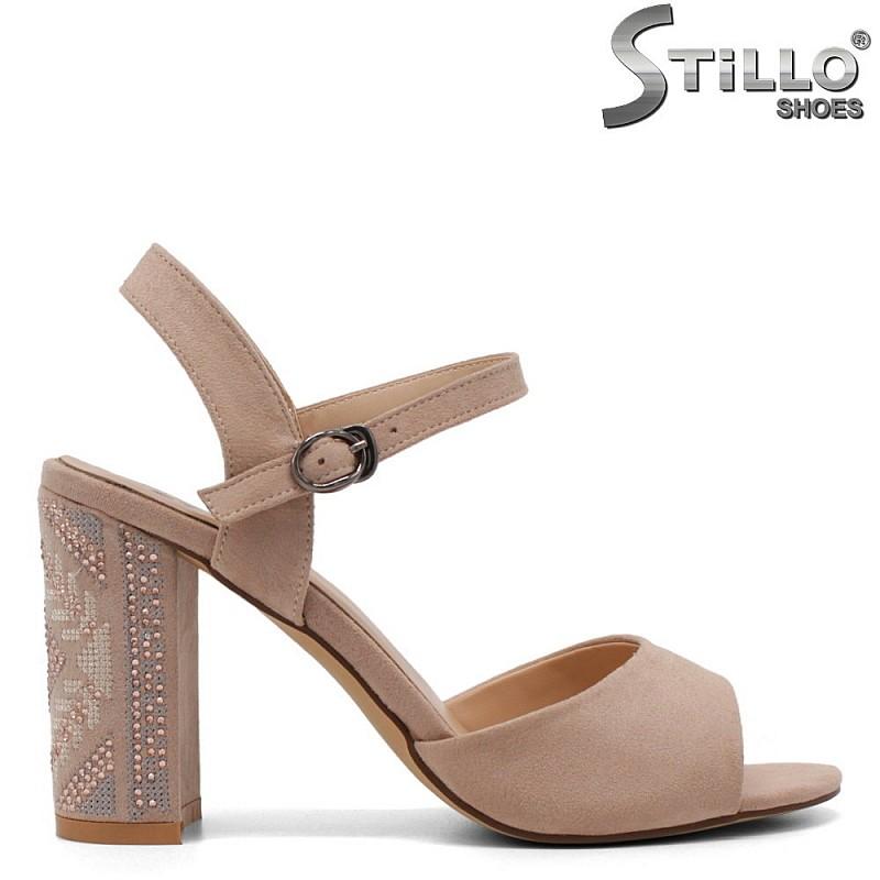 Бежови сандали с бродиран ток - 33169