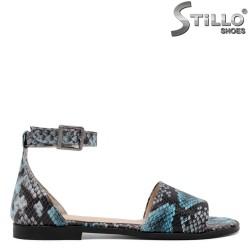 Дамски сандали със змийски син принт - 33173