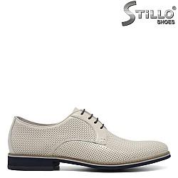 Мъжки перфорирани обувки в бяло - 33179