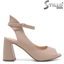 Елегантни дамски сандали на висок ток в бежово - 33186