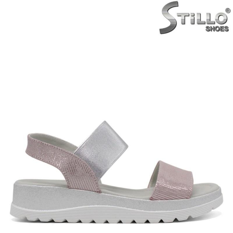 Ежедневни дамски сандали в нежно розово - 33188