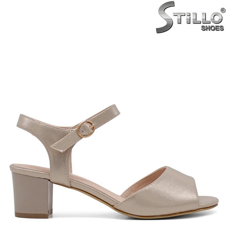 Дамски сандали в перлено злато - 33192