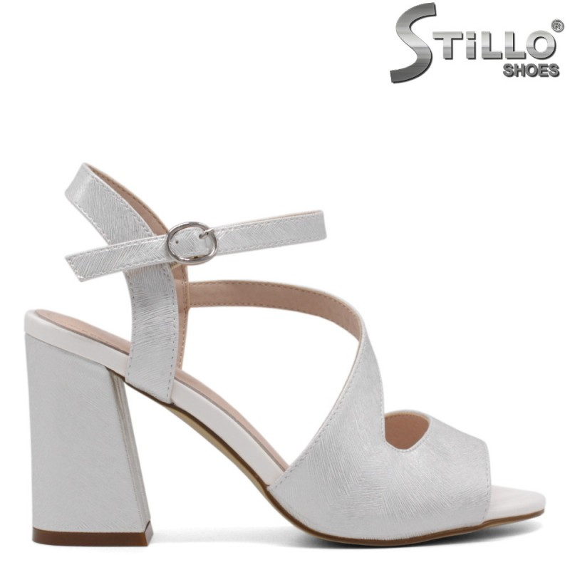 Асиметрични сандали от сребърна еко кожа - 33195