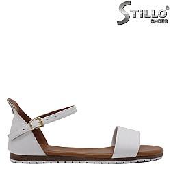 Бели ежедневни сандали от естествена кожа - 33211