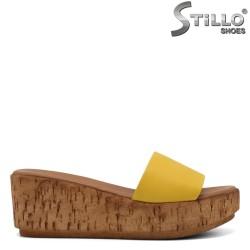 Жълти чехли на платформа - 33222