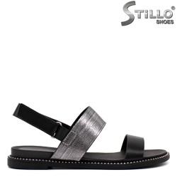 Ежедневни сандали в черно с капси - 33237