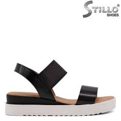 Дамски черни сандали с ластик - 33239
