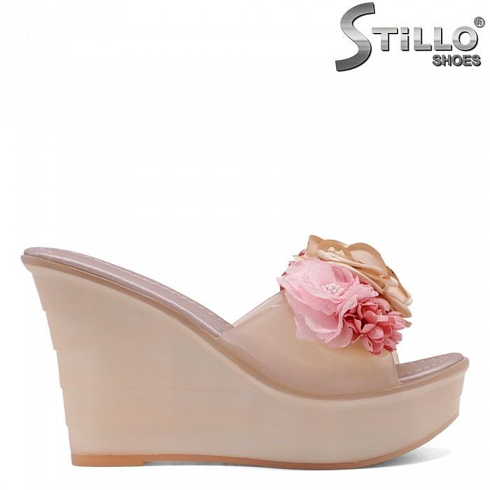Дамски силиконови чехли с розички - 33245