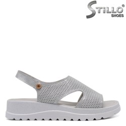 Сребристи ежедневни сандали на платформа - 33256