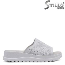 Бели чехли със щампа на цветя - 33258