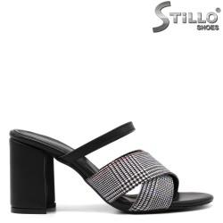 Дамски пепитени чехли на дебел ток - 33274