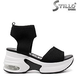 Дамски спортни сандали на платформа - 33279